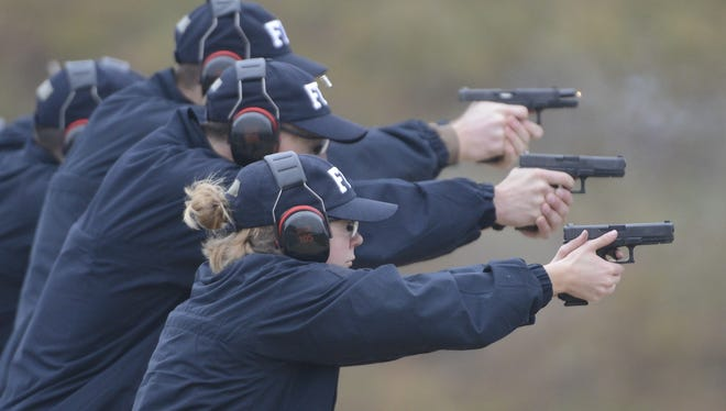 Types-of-Grips-a-Pistol